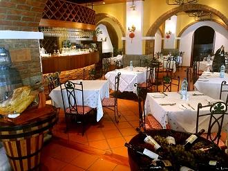 葡萄園餐廳提供包場或包房服務